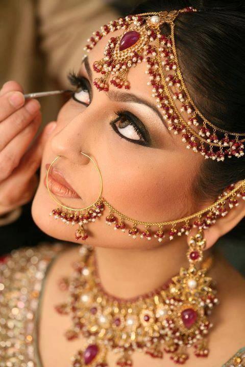 Top Bridal Makeup Artists In Delhi